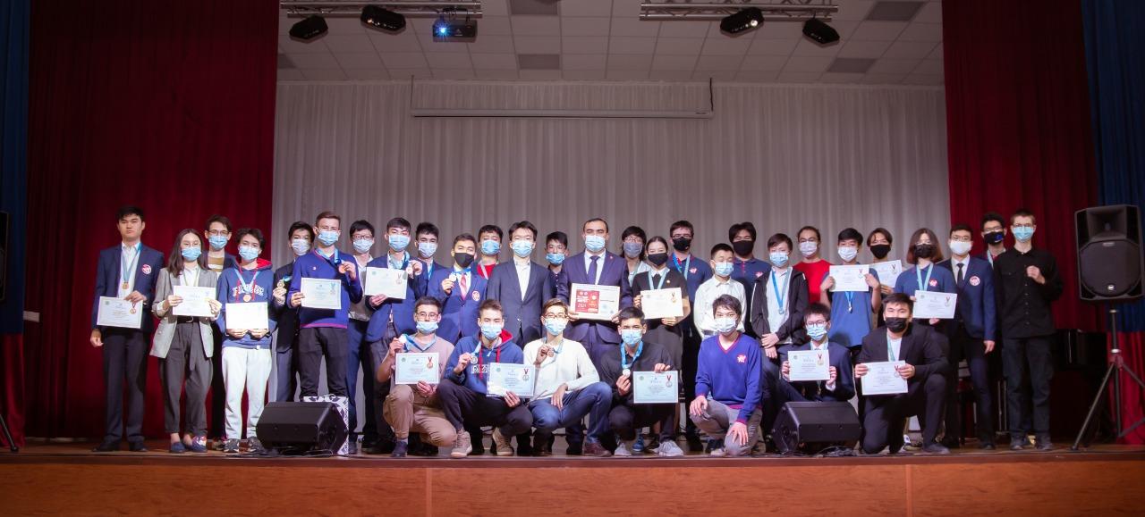 Торжественное чествование победителей и призеров Республиканских и Международных олимпиад и конкурсов научных проектов